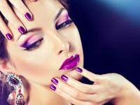 Фиолетовый макияж: пошаговая инструкция с фото. Подбор оттенка в зависимости от цвета глаз. Галерея вариантов макияжа с фиолетовыми тенями