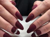 Маникюр на длинные ногти — модные и красивые варианты оформления маникюра (90 фото и видео)