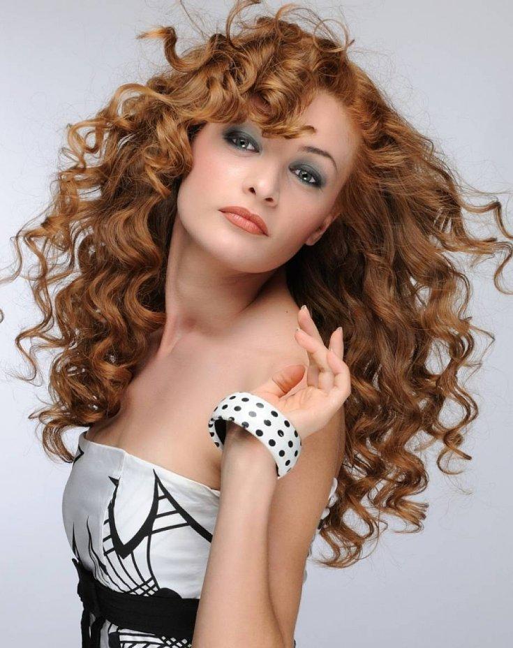 один плюс красивые кудрявые волосы фото наличие товаров